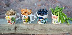 Hetkiä - Arabia. These mugs are so fun