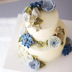 디테일코스 5번째 시간입니다💙 _ #flowercake #buttercream #wiltoncake #buttercreamcake #wilton #am1122cake #engagement #weddingcake #specialcake #studentswork #birthdaycake #butter #buttercreamflowercake #cake #wedding #instacake #버터크림 #플라워케이크 #꽃케이크 #수제케이크 #플라워케익 #크리스마스 #약혼식 #웨딩케익 #파티케이크 #브라이덜샤워 #기념일케이크 #웨딩케이크 #2단케이크  www.am1122cake.com pandasm1122@naver.com✔️