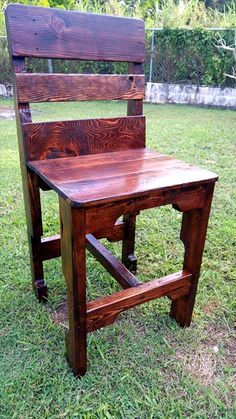 Upcycled Wooden Pallet Chairs