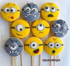 "147 Beğenme, 4 Yorum - Instagram'da Butik Pasta / Kurabiye (@gizemintatlidunyasi): ""Minion Kurabiyeler #minions #despicableme #minioncookies #minionkurabiye"""
