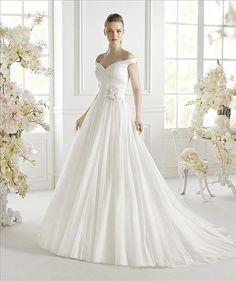 Geva - Avenue Diagonal - Princess Gown Dress - Tulle - Vestidus