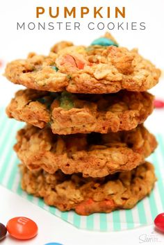 Pumpkin Monster Cookies by adashofsanity: Your classic Monster Cookie with peanut butter, oats and M&M's amped up a notch with the addition of pumpkin & spices. Pumpkin Monster Cookies Twitter #Cookies #Monster #Pumpkin