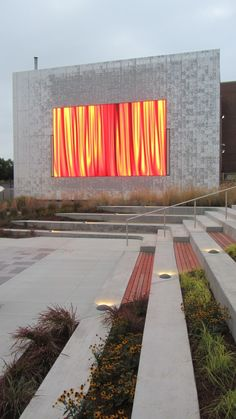 Public Media Commons à Saint-Louis dans le Missouri Landscape Stairs, Landscape Architecture Drawing, Landscape Lighting, Urban Landscape, Landscape Design, Garden Design, Architecture Durable, Modern Architecture House, Classical Architecture