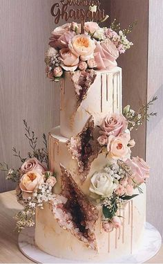 79 wedding cakes that are really pretty - Wedding hairstyles Wedding makeup Nail Art Designs Pretty Wedding Cakes, Amazing Wedding Cakes, Elegant Wedding Cakes, Wedding Cake Designs, Pretty Cakes, Unique Weddings, Floral Wedding, Fall Wedding, Our Wedding