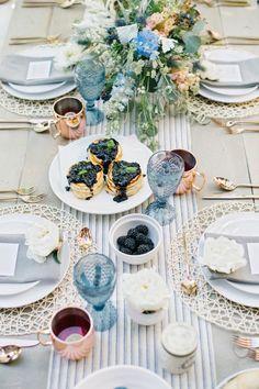 Ideas Breakfast Table Party Brunch Wedding For 2019 Birthday Brunch, Brunch Party, Easter Brunch, Dinner Parties, Brunch Mesa, Wedding Brunch Reception, Wedding Tables, Breakfast Table Setting, Eid Breakfast