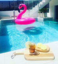 Soft drink in beautiful Torrevieja. Flamingo Pool, Pink Flamingos, Torrevieja Spain, Soft Drink, Photo And Video, Drinks, Interior, Outdoor Decor, Summer