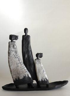 Menschen auf dem Boot | Keramik Kunst Blog