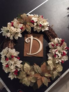 To order a custom wreath email: Emilyanne6809@gmail.com Ship anywhere :)