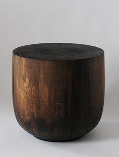 I like this as a more sophisticated version of using stumps for tables... the refined stump :)