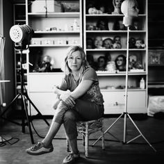 Cindy Sherman, Studio Ihrem, New York, 2007 Phaidon Focus book Moma, Cindy Sherman Art, Cindy Sherman Photography, Untitled Film Stills, Eccentric Style, Female Photographers, Black And White Portraits, Create Image, Famous Artists