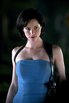 Sienna Guillory as Jill Valentine - Resident Evil: Apocalypse Sienna Guillory, Valentine Resident Evil, Resident Evil Girl, Jill Valentine, Constantin Film, Milla Jovovich, Star Wars, Cosplay Girls, Apocalypse