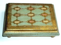 Florentine Gold/Blue Box