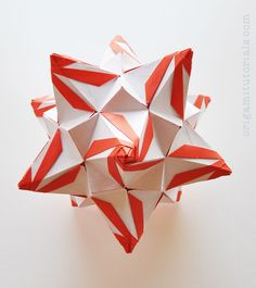 Tip: Papers I usually buy on Ebay or Origami Shop. Japanese books I tend to buy from CDJapan. The Megapolis Kusudama is designed by Valentina Minayeva, an amazing Origami artist from Ukraine. The Megapolis Kusudama has a very distinct look, with its twisting cones and closed triangle points, which comes to life when duo colored …