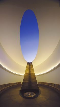 Image 1 of 1 from gallery of James Turrell's Roden Crater Set to Open After 45 Years. Image Courtesy of Florian Holzherr/James Turrell Studio James Turrell, Land Art, Kanye West, Louvre Abu Dhabi, Light And Space, Light Architecture, Action Painting, Light Art, Public Art