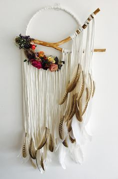 Large Dreamcatcher with dried flowers by FolkandFableUK on Etsy – DIY Home Decor Macrame Projects, Craft Projects, Crafts To Make, Arts And Crafts, Large Dream Catcher, Macrame Patterns, Crafty Craft, Crafting, Yarn Crafts