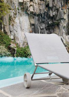 #green sun lounger by Giandomenico Belotti  http://www.aliasdesign.it/worlds/44/green/  #enjoysummer #swimmingpool #design #outdoor