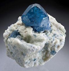 blue Spinel on Albite matrix