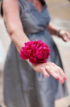 Cori Cook Floral Design via botanical brouhaha