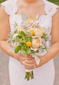 bridal bouquet via style me pretty - photo by sweet little photographs
