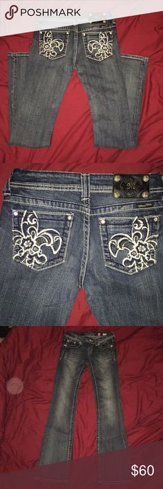 Miss Me bootleg jeans Never been worn. Super cute Miss Me Jeans Boot Cut