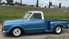 1967 Chevrolet Stepside truck Clean and simple 1967 Chevy Truck, Chevrolet Trucks, Gmc Trucks, Chevy Classic, Classic Chevy Trucks, Classic Cars, Old Chevy Pickups, C10 Stepside, Hot Rod Pickup