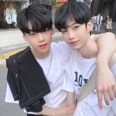 Korean Boys Ulzzang, Cute Korean Boys, Asian Cute, Ulzzang Couple, Ulzzang Boy, Korean Men, Cute Girls, Lgbt Couples, Cute Gay Couples