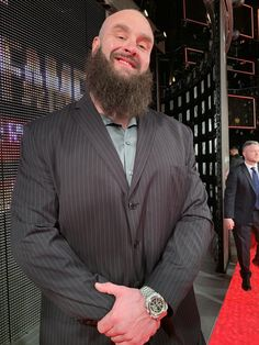 Braun Strowman Hall Of Fame 2019 Braun Strowman, Wrestling Superstars, Its My Bday, Suit Jacket, Xmas, Suits, Brown, Pictures, Photos