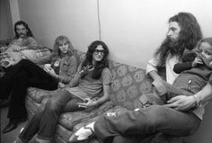 Rush and Ted Nugent (with daughter Sasha) backstage ca. 1975 (Neil looks pissed, Alex just wants to leave and Geddy is sassy af)