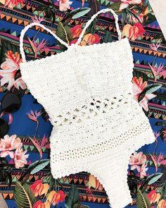 Body Crochê Miss Crochet One Piece, Knit Crochet, Crochet Summer, One Piece Outfit, Crochet Fashion, Swimsuits, Swimwear, Diy Clothes, Pretty Outfits