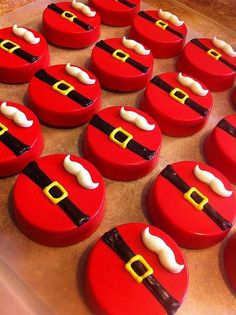 Cake oreo cookies desserts 17 Ideas for 2019 Holiday Cupcakes, Christmas Desserts, Christmas Baking, Christmas Cake Designs, Christmas Cake Decorations, Christmas Cake Pops, Oreo Pops, Xmas Cookies, Oreo Cookies