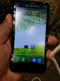 """Alcatel One Touch Fierce 7024N, 4G con pantalla de 4.5"""" cámara de 5mpx con flash secundaria vga, memoria interna de 4gb expandible hasta 32, con un procesador quad-core a 1.2 con cargador de..."""