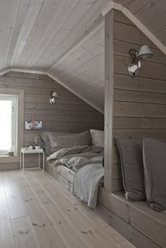 Idea of 4th bedroom being a loft as a small 3rd level?? More
