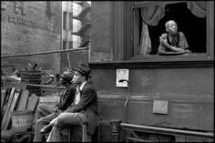 Photos of Henri Cartier-Bresson: USA. New York City. Harlem. 1947.