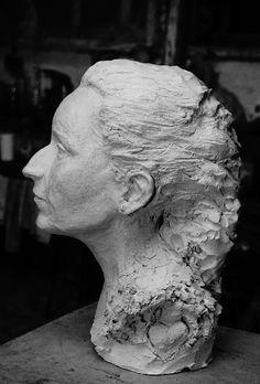 Buste de la Poétesse par Gérard Lartigue Portfolio, Les Oeuvres, Greek, Statue, France, Art, Art Background, Greek Language, Kunst