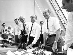 File:Apollo 11 mission officials relax after Apollo 11 liftoff - GPN-2002-000026.jpg