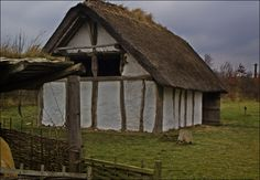 A recreated Anglo-Saxon building where one of the wealthier families of a settlement would live. Based on a ground plan uncovered at Yeavering in Northumberland. Gearwe was the Anglo-Saxon name for Jarrow.