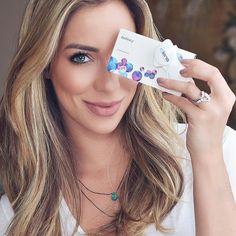 Descobri hoje o @elens_oficial o maior e-commerce de lentes de contato do Brasil! Que facilidade poder pedir pela internet as minhas lentes que não achei na ótica semana passada! O site tem todas as marcas tipos e também acessórios! Muito prático!!!! Eles me mandaram algumas lentes e também estão disponibilizando 5% de desconto  frete grátis para quem usar o código HELENA5 na compra!