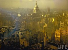 London after an air raid in September 1940. #history #worldwartwo #wwii #londonblitz #forties #homefront