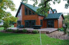 Picking the Right Roofing Color Small Manufactured Homes, Roof Colors, Log Cabin Homes, Interior And Exterior, House Design, Cabin Fever, House Styles, Dream Homes, Building