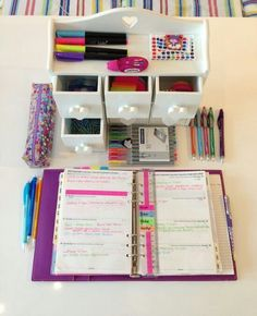 Image via We Heart It https://weheartit.com/entry/130507177/via/3112900 #agenda #deco #decorate #decoration #diary #ideas #inspiration #room #school #backtoschool