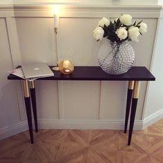 SnapWidget | Godmorgon lördag & godmorgon bästa ni! Jag har sagt det förut och jag säger det igen - Prettypegs En enkel bordsskiva från Ikea och dessa ben så har ni lyxigaste och snyggaste sidobordet! SÅ bra! Ha en fin dag nu allihopa! KRAM på er. #nyahemmet @sleepo_se