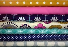 Stitchbird's Tuesday Stack and a giveaway of fabric.  Be in quick closes Sunday 21 Oct NZ.