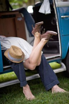 VW Type 2 romance - this is too cute :)