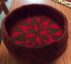 The Zinnia Blanket transformed into a bowl: Ravelry: nafoster's Zinnia for Christmas