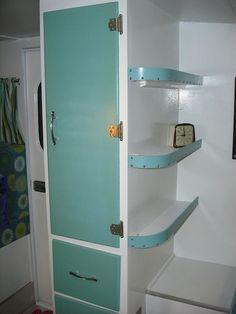 Awesome 50 Genius Bathroom RVs and Camper ,Travel Trailer Remodel Ideas https://homstuff.com/2017/09/27/50-genius-bathroom-rvs-camper-travel-trailer-remodel-ideas/