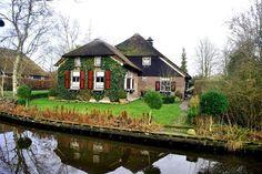 Giethoorn – The Venice Of Netherlands