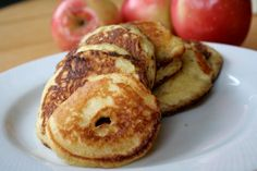 grain-free-apple-pancake-rings - Have you seen Apple Pancake Rings before? Who wouldn't love thinly sliced apples dipped in pancake batter and pan fried? Serve them up like pancakes, but with a kick. Any pancake batter will do the trick. Paleo Recipes, Whole Food Recipes, Cooking Recipes, Paleo Breakfast, Breakfast Recipes, Breakfast Ideas, Pancake Breakfast, Perfect Breakfast, Food Porn