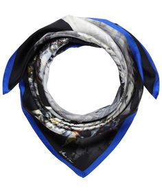Marc Cain Collections - scarf with electric blue details #fashion #trend #engelhorn