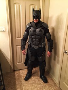 My finished product. About a months worth of labor here and there in my spare time. Bulk of it made with Eva foam. I'm happy with the results. Although in the future I might craft my own cowl and get a better cape. Cosplay Costumes, Cosplay Ideas, Costume Ideas, Batman Suit, Batman Cosplay, Batman Arkham Origins, Batman Outfits, Fun Comics, Im Happy