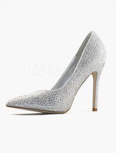 Scarpe da sposa d'argento a punta con tacchi alti e strass